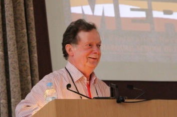 Выступает профессор Фил Тёрстон (Thurston P.C.) из университета Лаурентия, г. Садбери, Канада.
