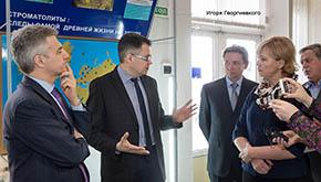17 мая 2017 КарНЦ с визитом посетил врио Главы Республики Карелия Артур Олегович Парфенчиков