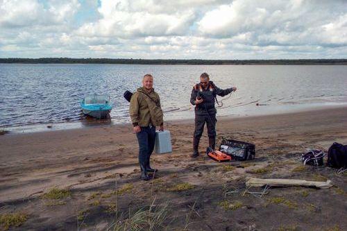 Алексей Кабонен и Павел Рязанцев готовятся к изучению местности