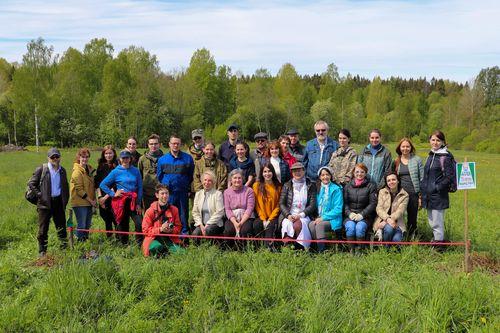 Участники закладки Аллеи 75-летия КарНЦ РАН