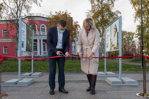 Ольга Бахмет и Владимир Любарский открывают выставку