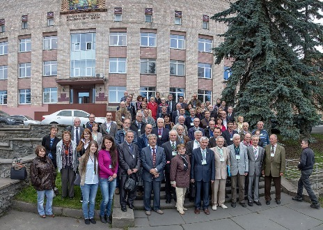 Участники совещания – фото на память