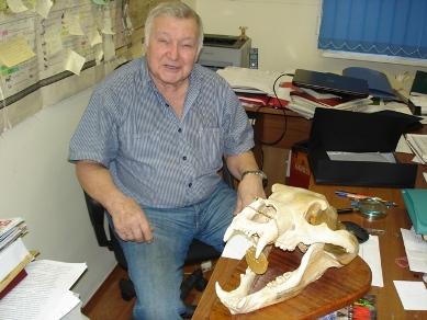 профессор Петр Данилов с охотничьим трофеем