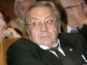 академик В. Фортов