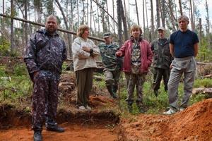 Гакугское лесничество (люди в камуфляже) в полном составе в гостях у археологов