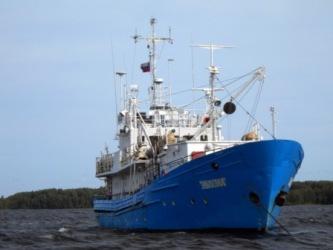 Научно-исследовательское судно «Эколог», на котором была совершена экспедиция. Цель исследований – на основе собранного полевого материала дать оценку современного состояния экосистемы Онежского озера